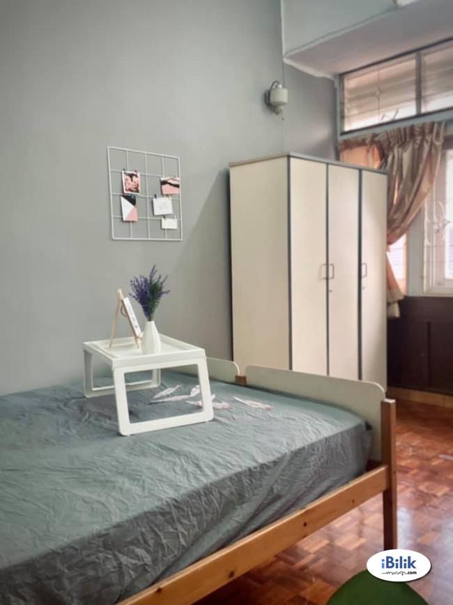 Cozy Zero Deposit ~ Medium Room at Bangsar- Kuala Lumpur