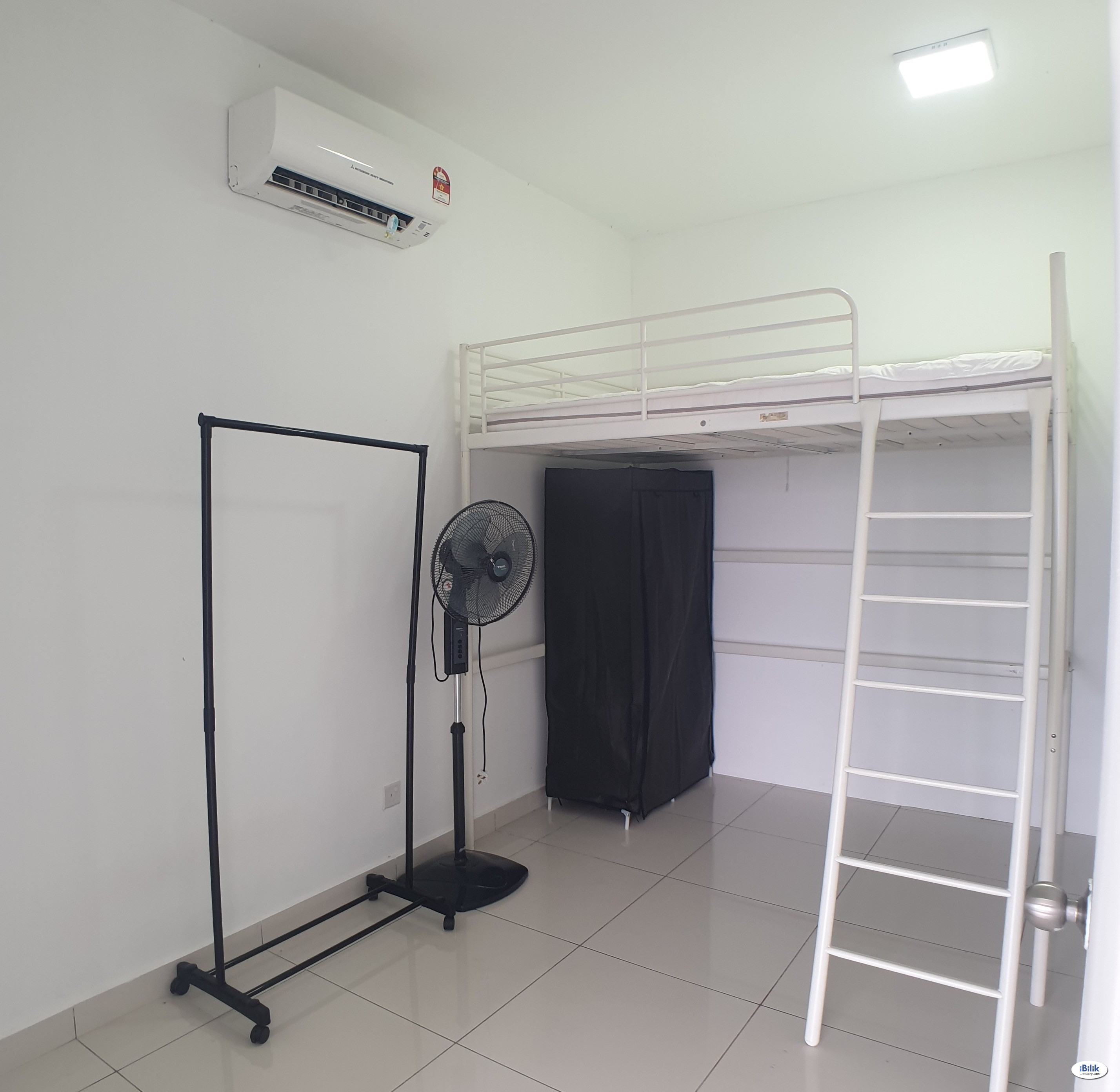 New room for rent queen bed with washing machine next to ldp