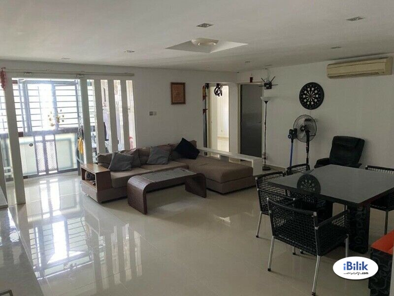Common room at 192b rivervale drive for rent! Aircon wifi!