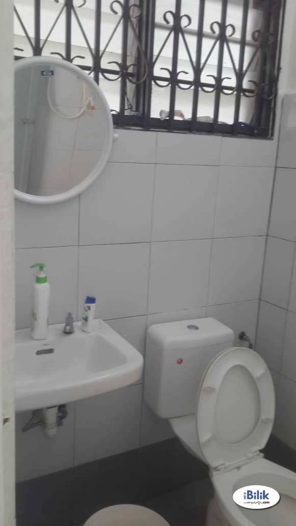Single Room at Bukit Beruang, Melaka