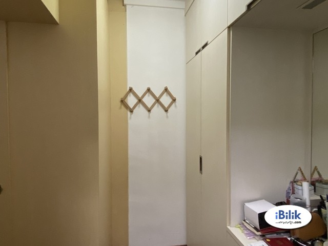 Near Pioneer MRT! Master room at 650c jurong west street 61 for rent! Aircon wifi!