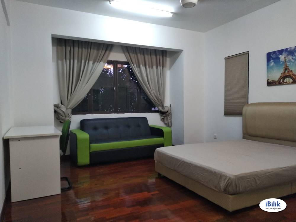 Master Bedroom with Private Bathroom @ Cyberjaya [Prefer Chinese]