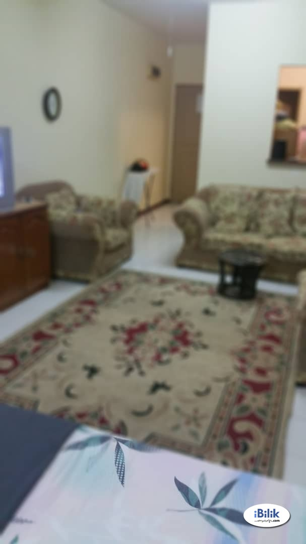 Room - Shared Apartment at Taman Bukit Indah, Ampang