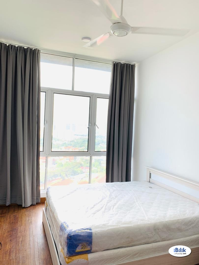 (free parking) short term master room for rent, near mont kiara, publika
