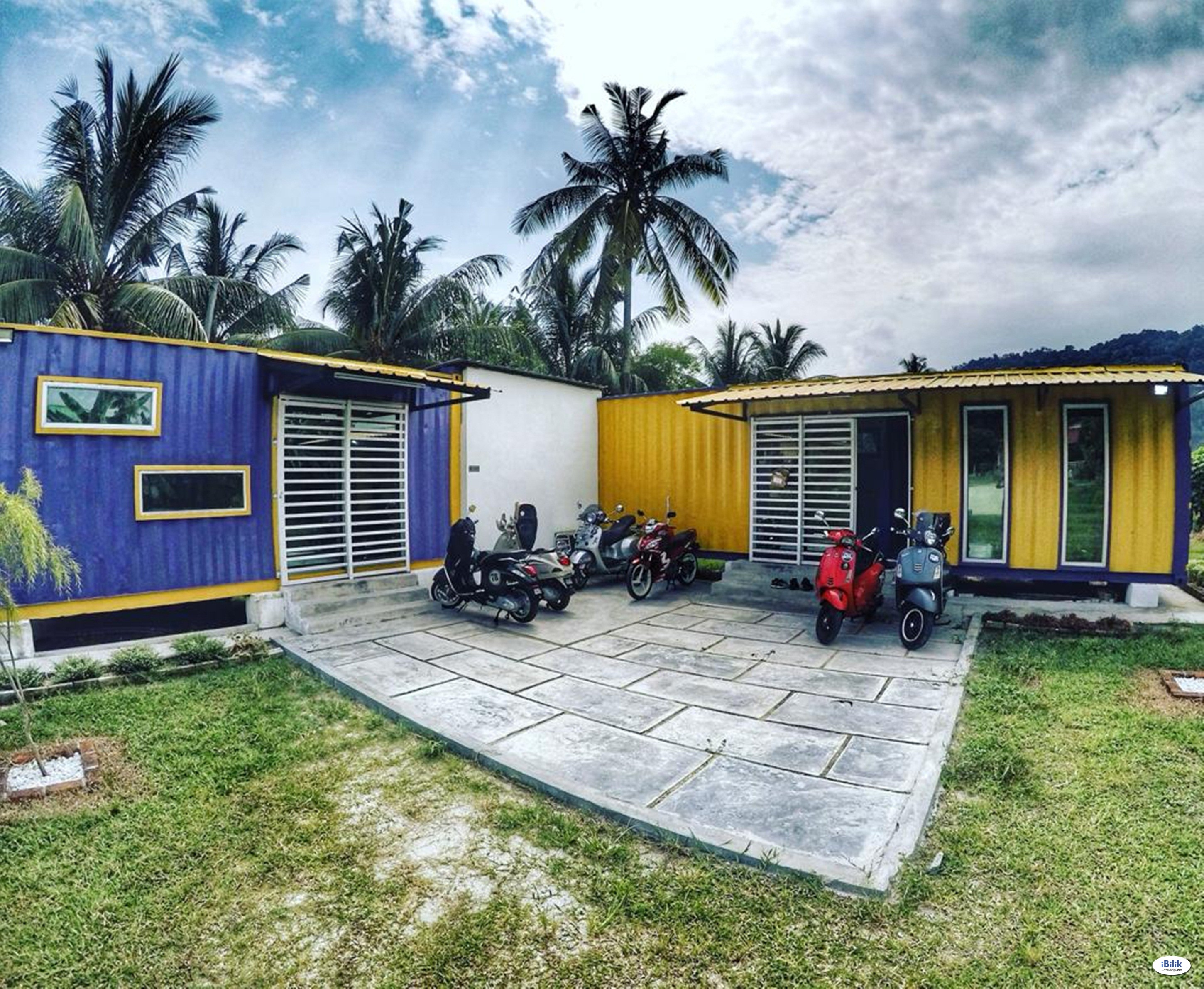 Purple Cube Roomstay Container Cabin @ Marina Jetty Lumut With UNIFI TVBOX