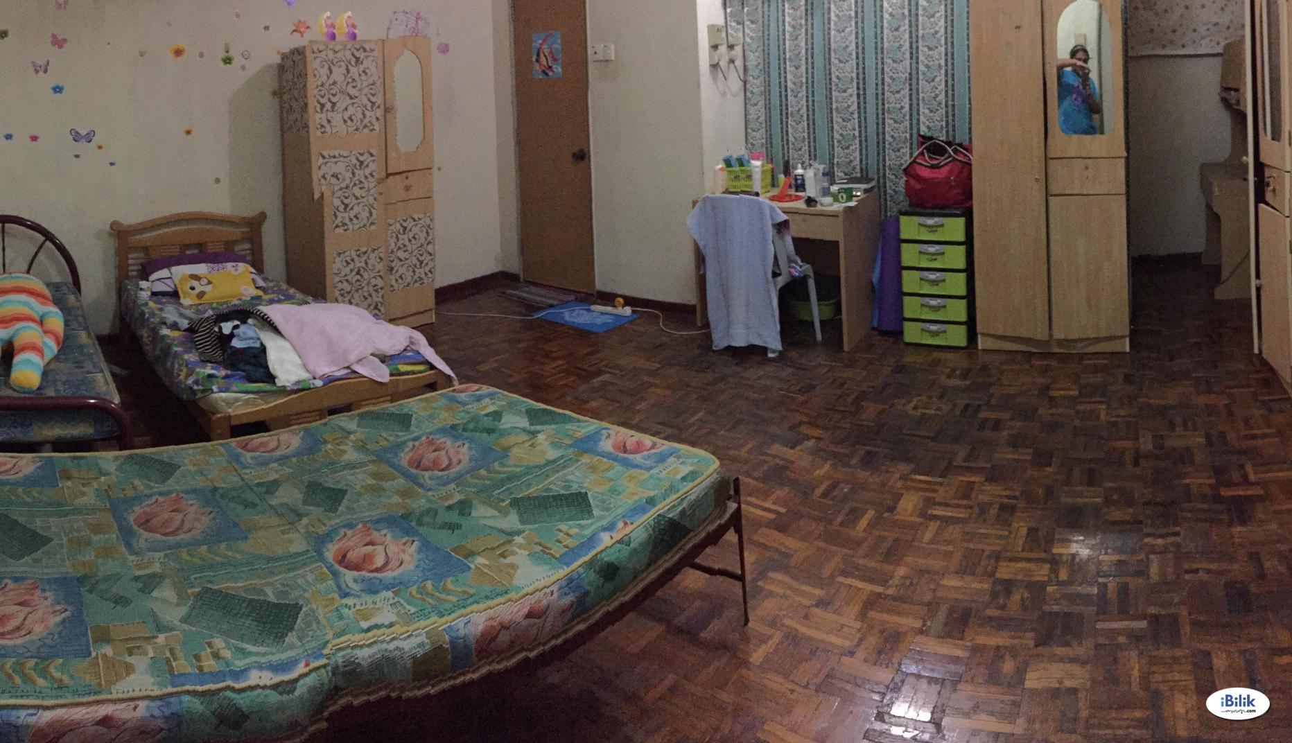 Room - Shared House at Damansara Heights, Kuala Lumpur