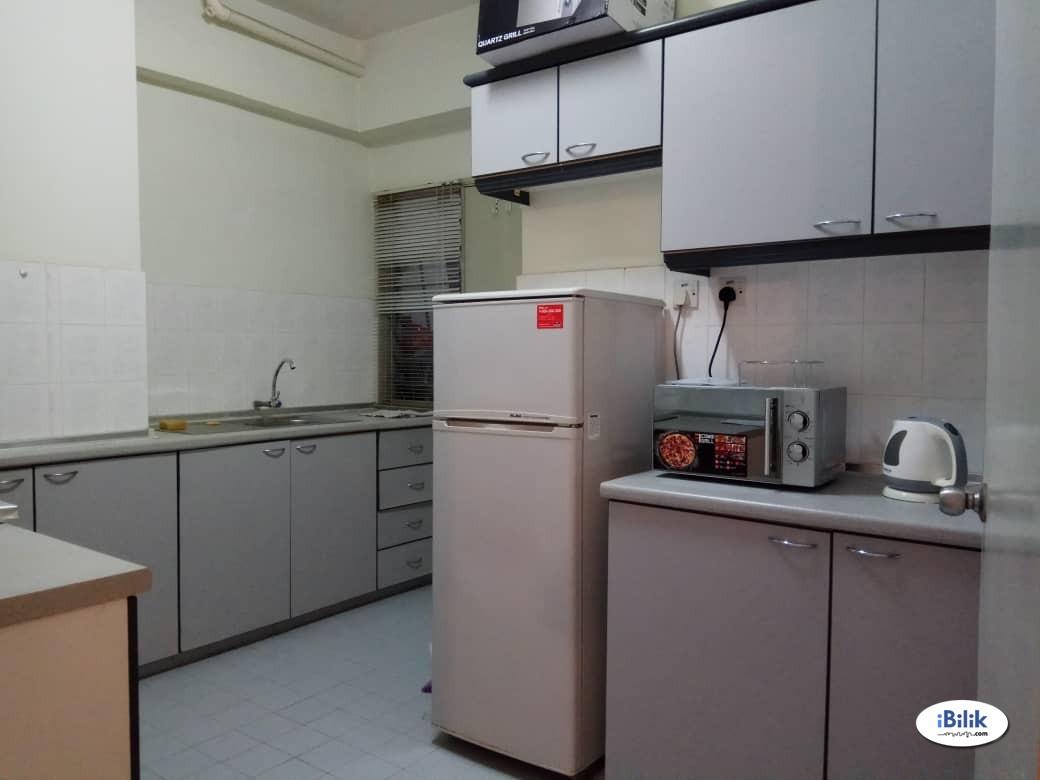 Medium bedroom for Single Female @ Taman Bukit Indah, Ampang