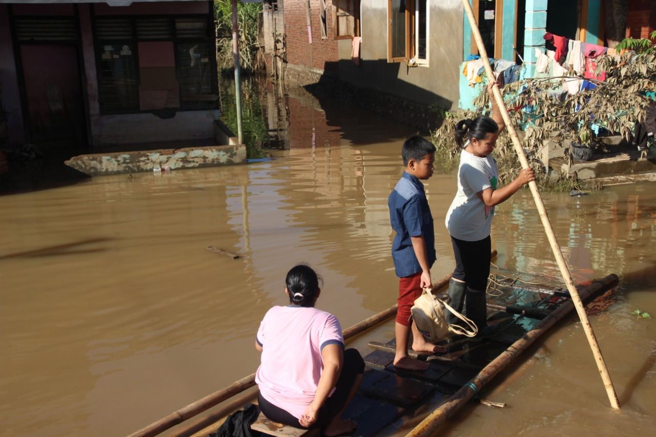 After The Flood, The Activities in Bengkulu City Have Not Returned to Normal's image