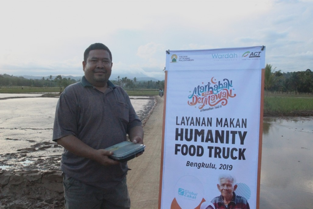 Humanity Food Truck Delivers Nutritious Food to Kepahiang Flood Victims's image