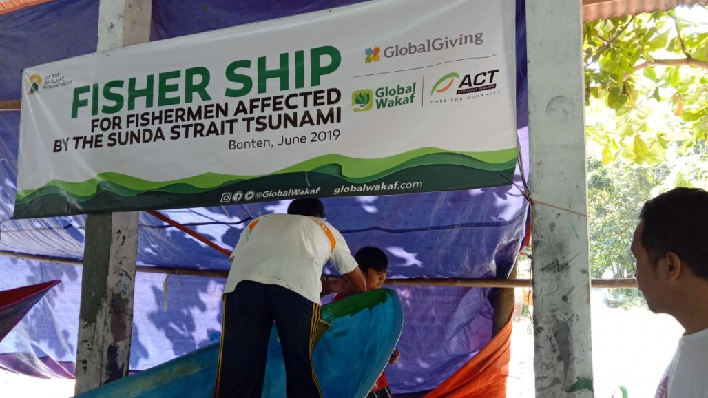 Waqf Boat to Rebuild the Economy of Pandeglang Residents' photo