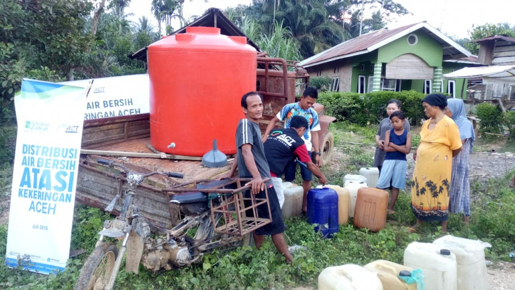 Villages in Aceh Tamiang Receive Clean Water Aid' photo