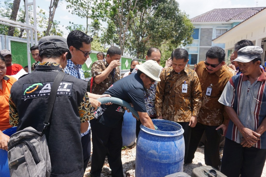 ACT Jateng bersama Bank Indonesia Distribusikan 192.000 Liter Air Bersih' photo