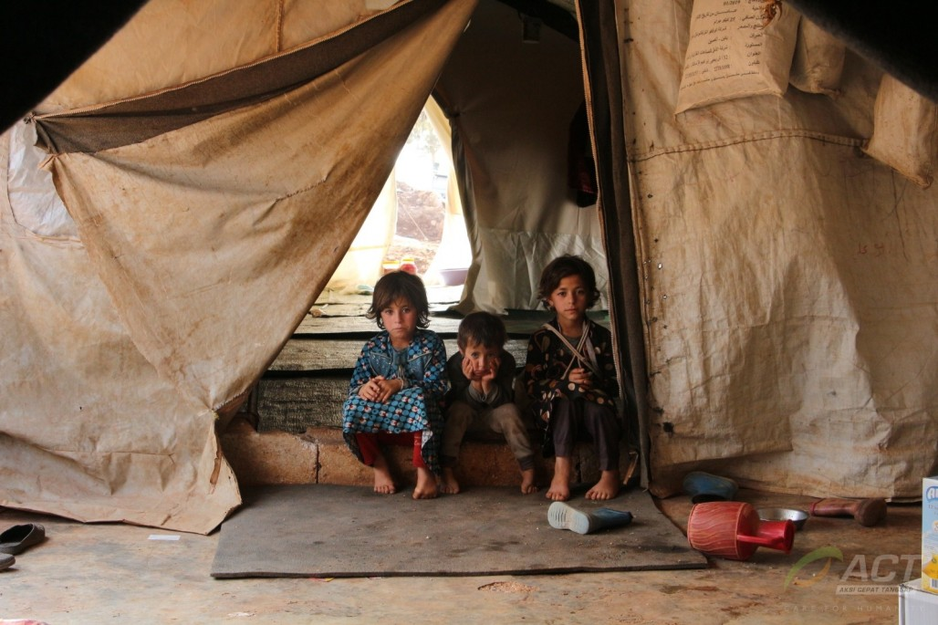 2,000 Syrians Displaced in Cold Winter' photo