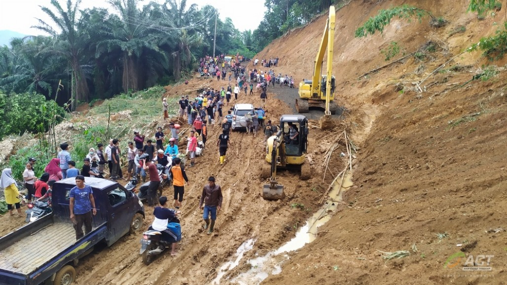 Bogor Landslide Victims Reluctant to Return Home