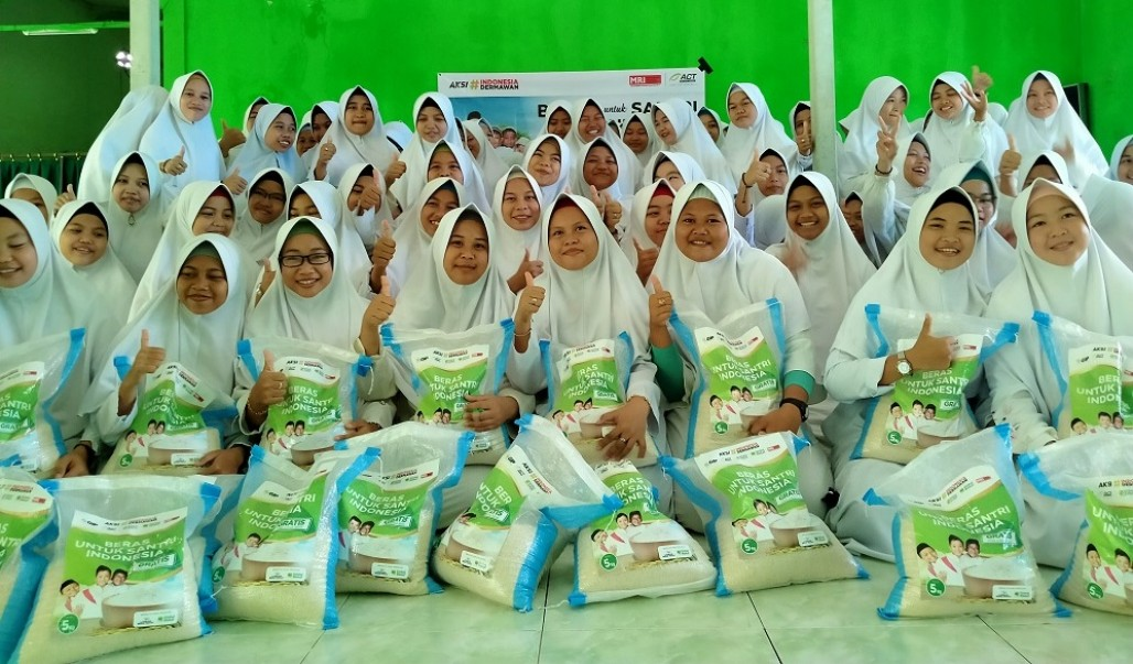 Another Rice Distribution for Nur Hidayah Islamic Boarding School in Banjar