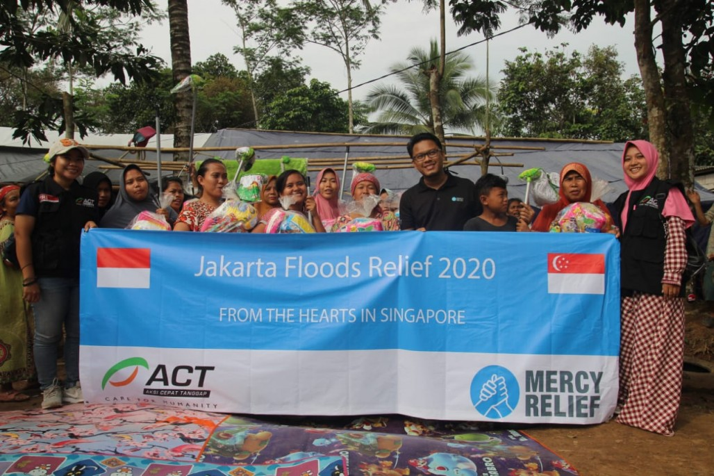 Mercy Relief Singapore Provides Aid for Lebak Flood Victims' photo