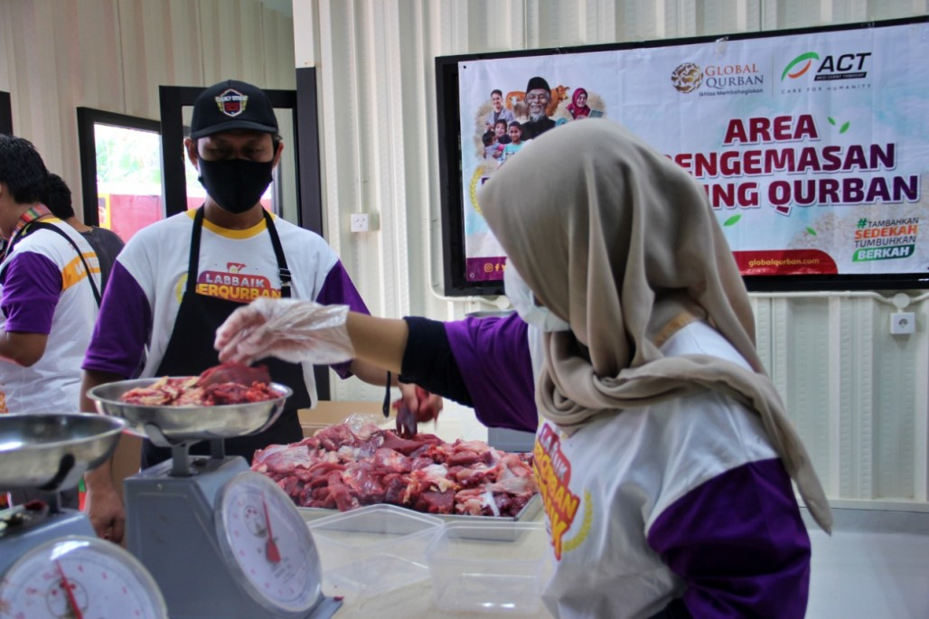 Central Kitchen Maintains Quality of Qurbani Meat before Being Distributed' photo