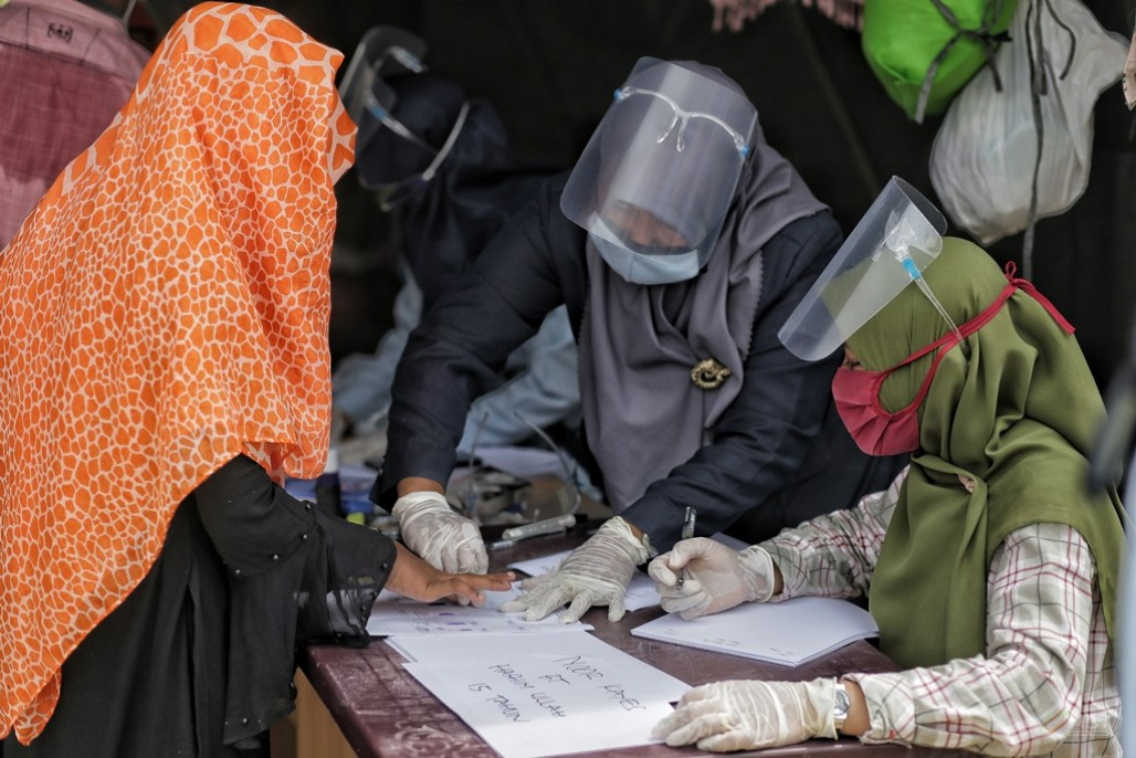 Rohingya Refugees Undergo Medical Checks
