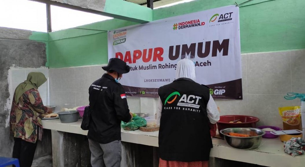 Public Kitchen Provides Food for Rohingya Refugees in Lhokseumawe