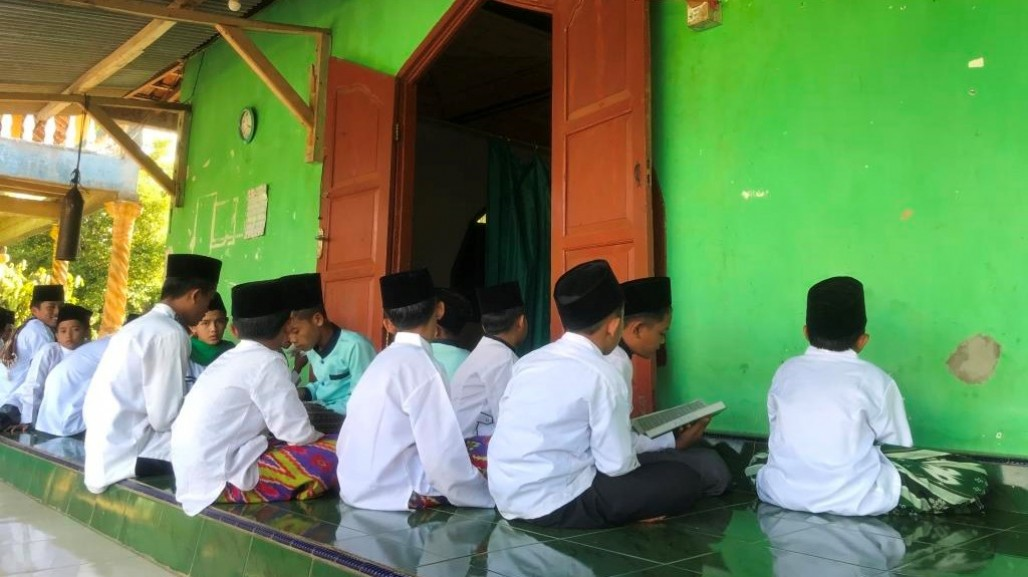 Students of Al-Falah Islamic Boarding School Now Have Access to Clean Water