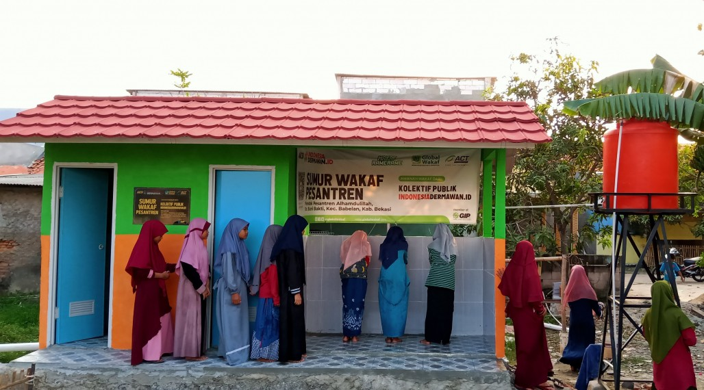Alhamdulillah Islamic Boarding School Students Grateful for New Waqf Well