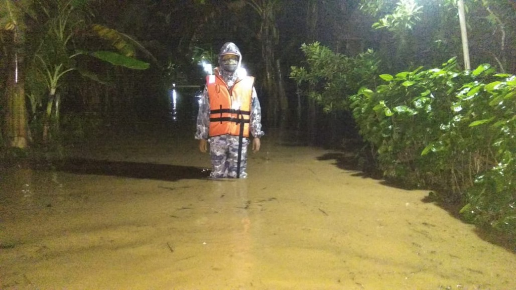 Several Areas in Central Java Flooded After Heavy Rains' photo
