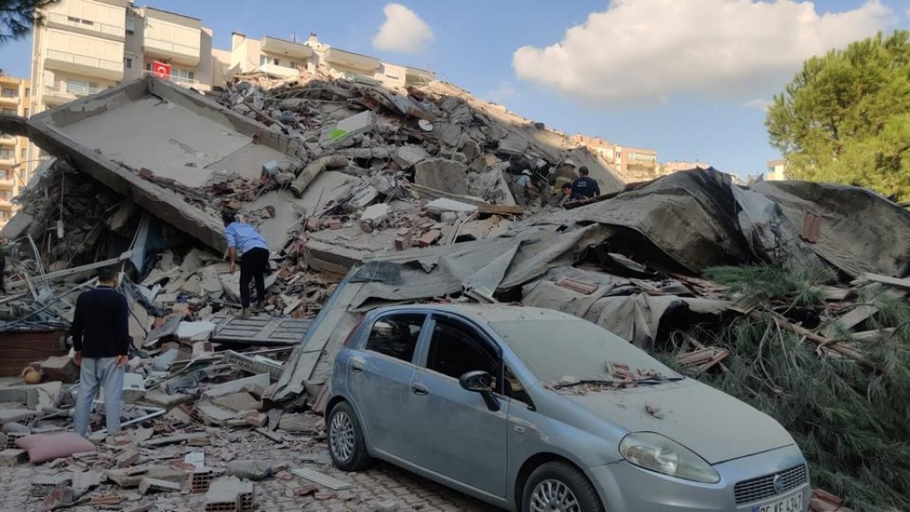 M7.0 Earthquake Rocks İzmir, Wounds 202' photo