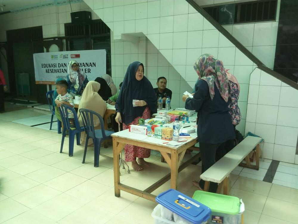 Periodic Health Services for Poor Families in Jakarta's image