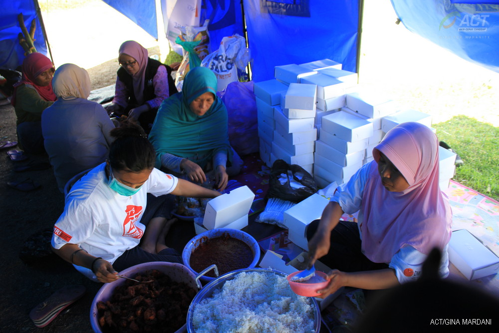 Hundreds of Public Kitchens to Feed Central Sulawesi Disaster Victims's image