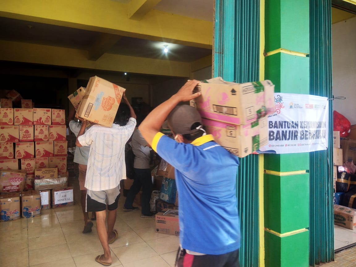 60 Tons of Aid Arrive at Bengkulu's image