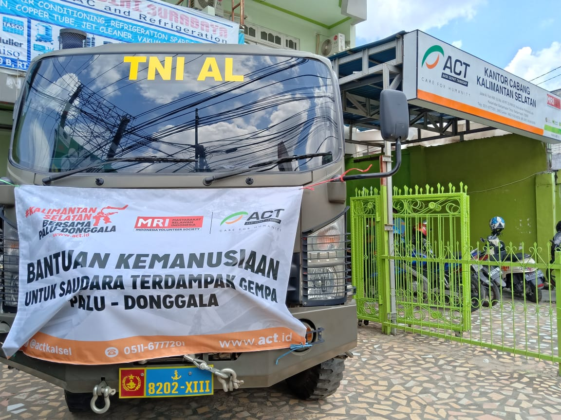 ACT South Kalimantan Sends Truckloads of Aid for Central Sulawesi's image