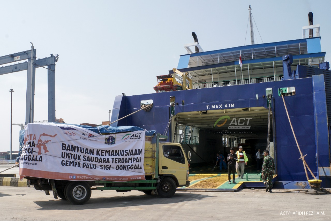 Second Humanitarian Ship Departs for Palu's image