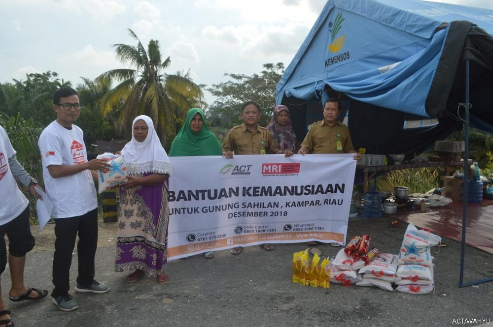 MRI-ACT Riau Visit Flood-Affected Areas in Riau's image
