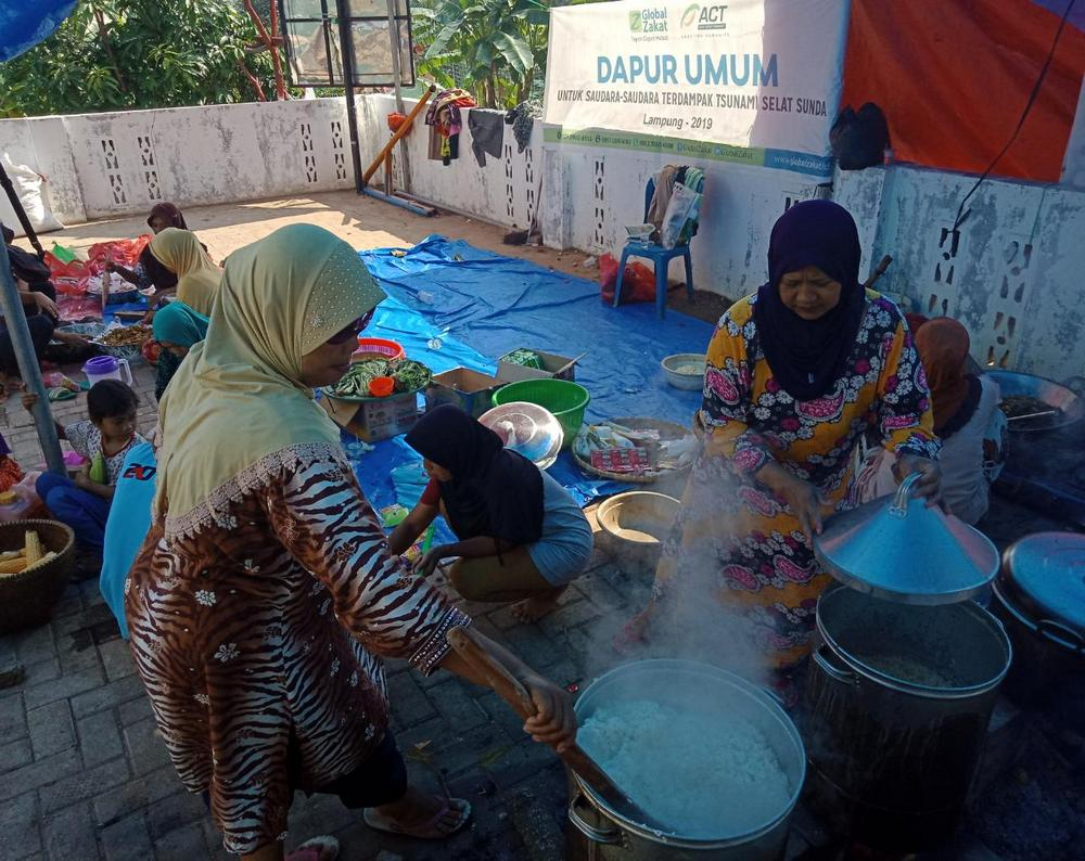 ACT Public Kitchen Continues Serving Tsunami Evacuees in Lampung's image