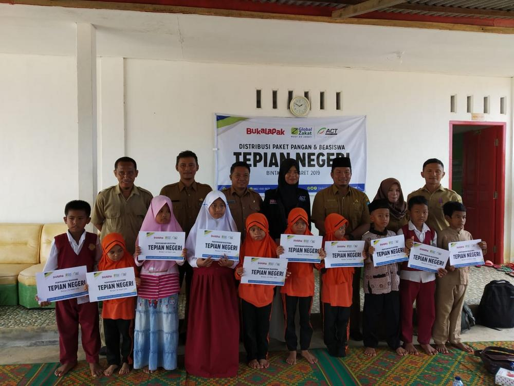 Global Zakat-ACT Bahagiakan Siswa An-Nahl Bintan' photo
