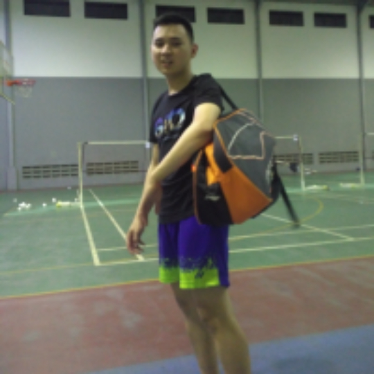 6138295127c53 Play badminton with Winsen Kristian on