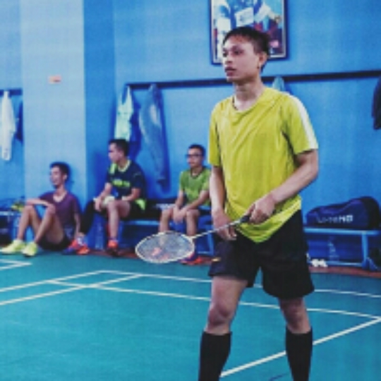 16c453649 Play badminton with Arif Rahman on