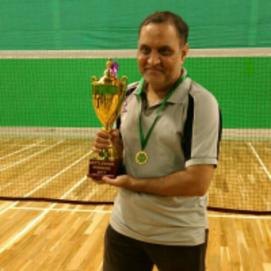 1527f5f0d Play badminton with Satish Iyengar on