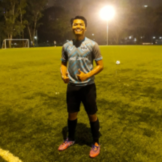 aad6dd8ed256c Play football   futsal with Alif Azizan on