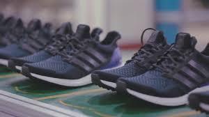 Khám phá quy trình sản xuất giày chính hãng