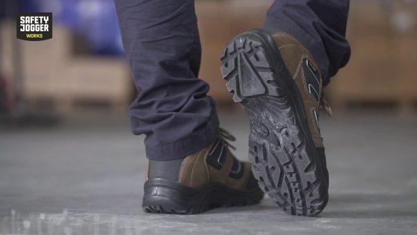 Phân Loại Đế Giày Bảo Hộ Lao Động Hiện Đang Có Mặt Trên Thị Trường
