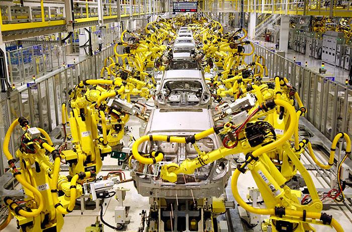 Công nghiệp nặng là gì? Công nghiệp nặng có vai trò gì trong nền kinh tế?