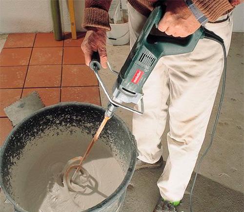Tìm hiểu về máy khuấy sơn và ứng dụng trong lao động