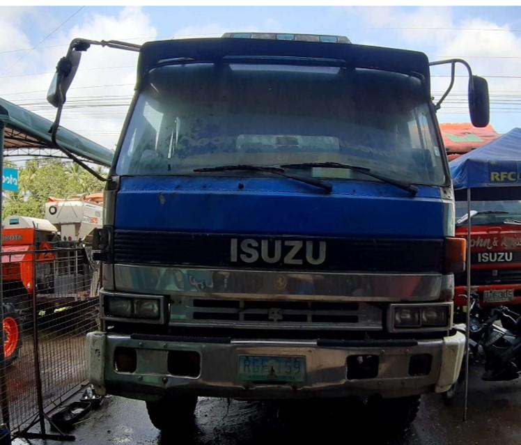 ISUZU 10W FLATBED TRUCK