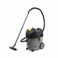 The outstanding feature of the new one-motor Ap series is its compactness. Both vacuum cleaners are high-performance, compact vacuum cleaners for professionals. The 35/1 Ap offers a larger container with 35 liters. Both models come standard with flat pleated filter and semi-automatic filter cleaning, which allows to work longer without interruption.