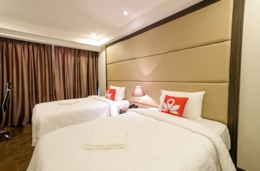 Book a budget room in ZEN Rooms West Avenue, Manila, Philippines