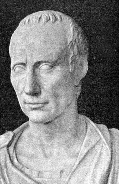 Statue of Julius Caeser. Image source: Wikimedia Commons