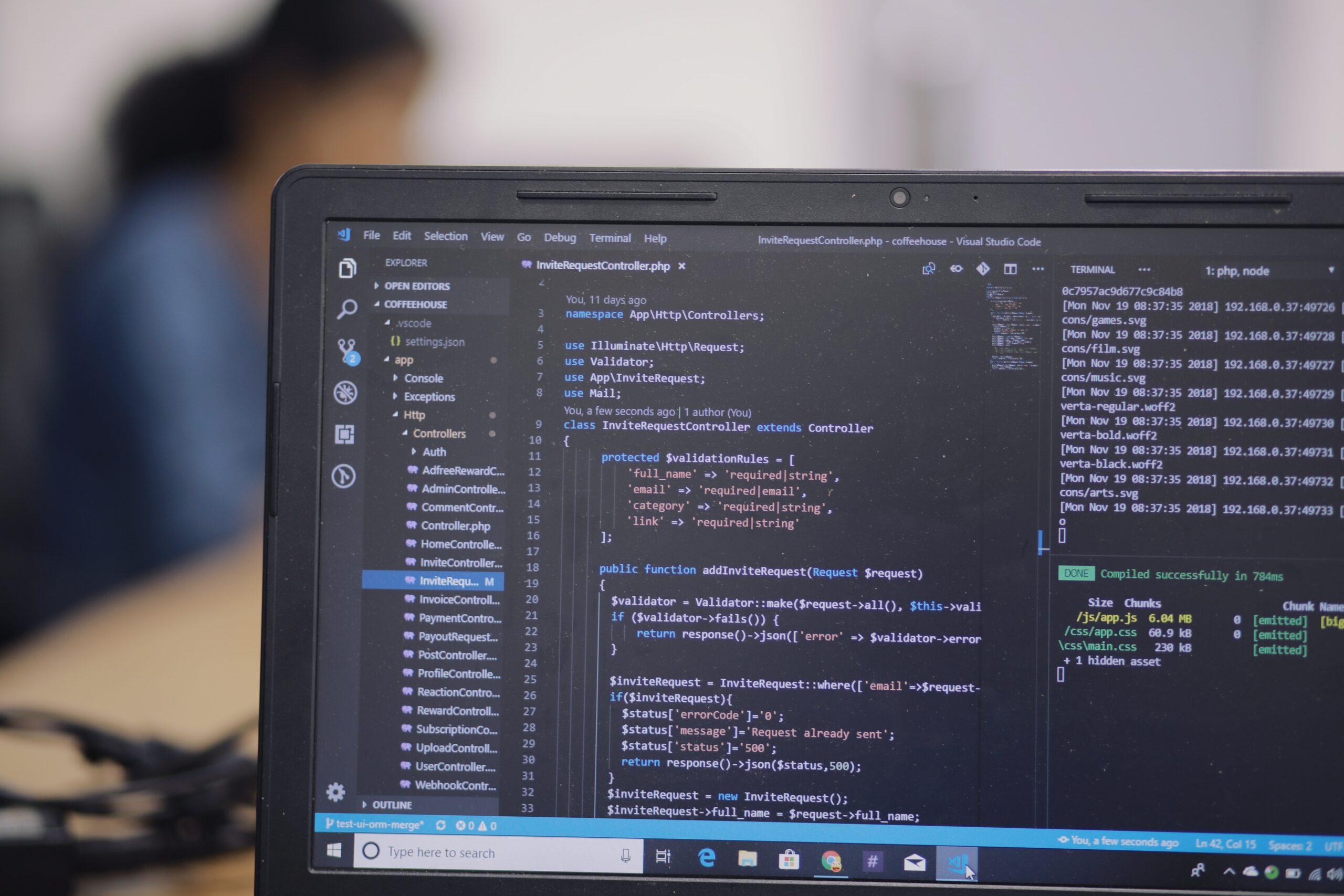phần mềm phát triển trang web
