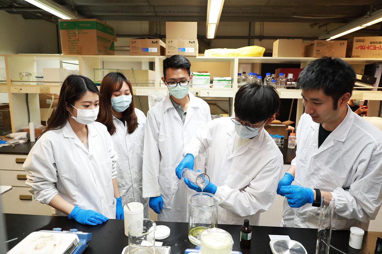 化工系有很多實驗課