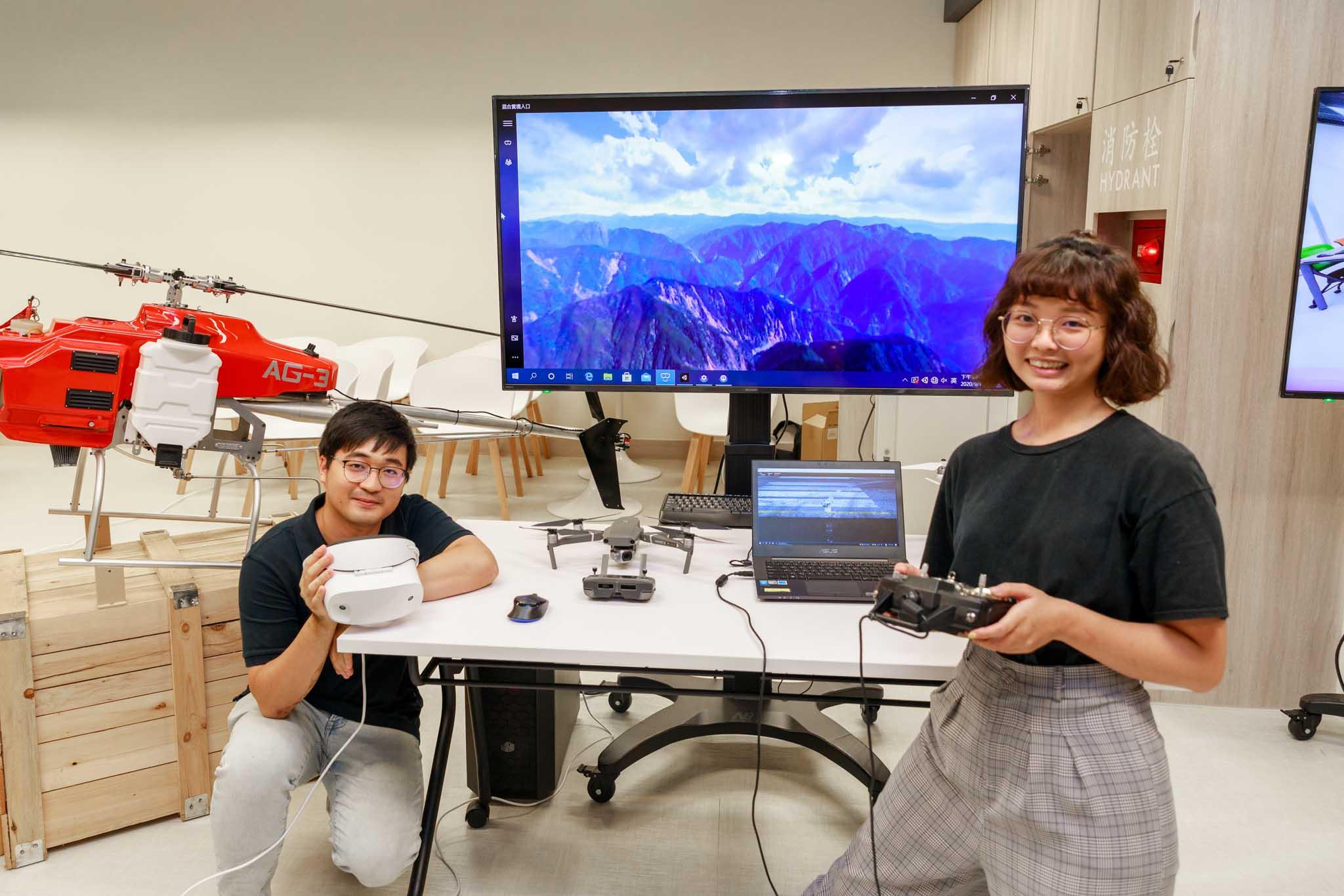 「智慧城市共享學習堂」為兼具教學、實作及展示多元使用的智慧空間。